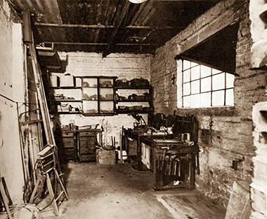 Erste Werkstatt der Kunststoffverarbeitung Winter in Hainstadt